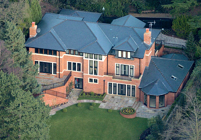 بالصور.. شاهد منزل كريستيانو رونالدو الجديد !!!!