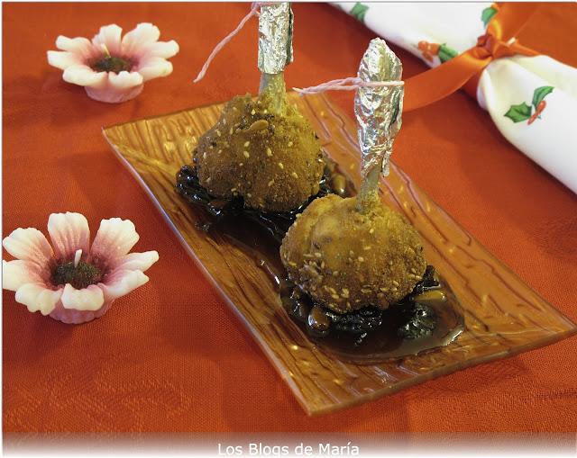 Chupachus de Pollo rellenos de sobrasada sobre agridulce de trompeta amarilla