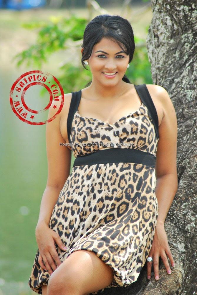 Sri Lankan Models and Actress: Piumi Purasinghe