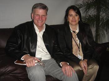 Pr. Franklin Graham e Pra. Marta Lança - Festival de Esperança, MG, Brasil