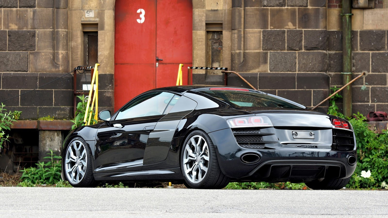More detailed information about Audi R8 V10 R tronic directly at:  OK-Chiptuning Inh. Kai-Uwe OTTLINGHAUS Weserstraße 27 47506 Neukirchen-Vluyn