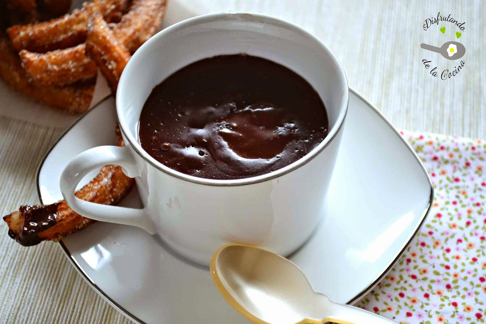 CHOCOLATE A LA TAZA O CHOCOLATE CALIENTE