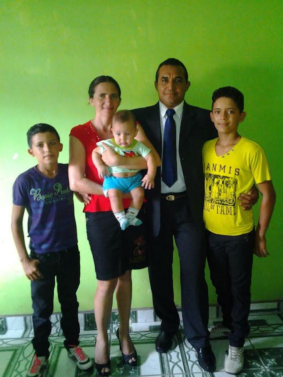 A FAMÍLIA DOS MISSIONÁRIOS QUE A ADMEP COOPERA COM OFERTAS E ORAÇÕES!