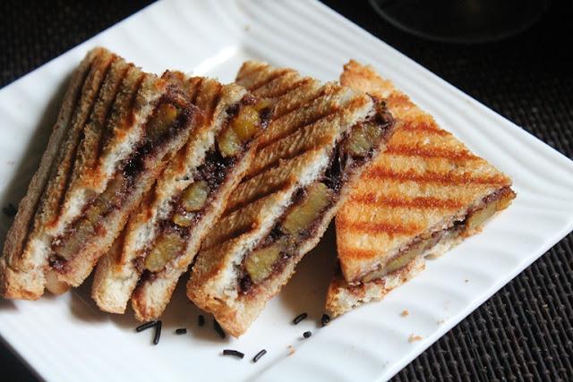 Nutella Banana Sandwich Recipe – Grilled Banana and Nutella Panini Recipe