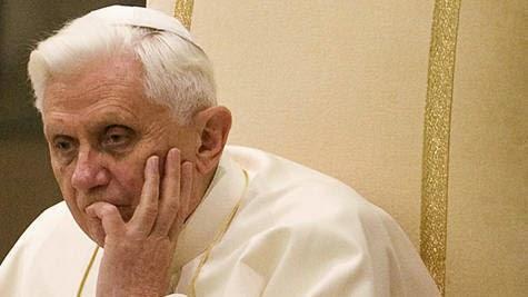 """Đức Giáo hoàng Bênêđictô XVI: Cảnh báo chống lại những ý tưởng """"giết chết đức tin""""."""