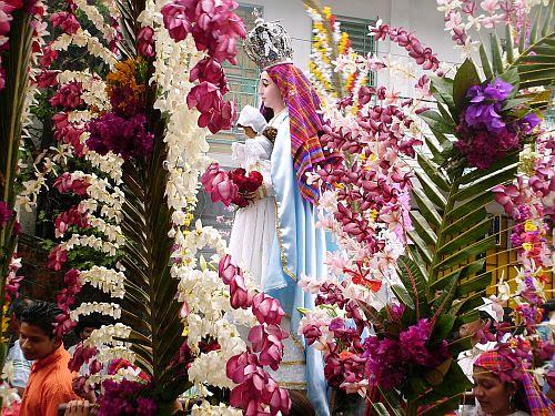 Profesión de las Flores en Panchimalco