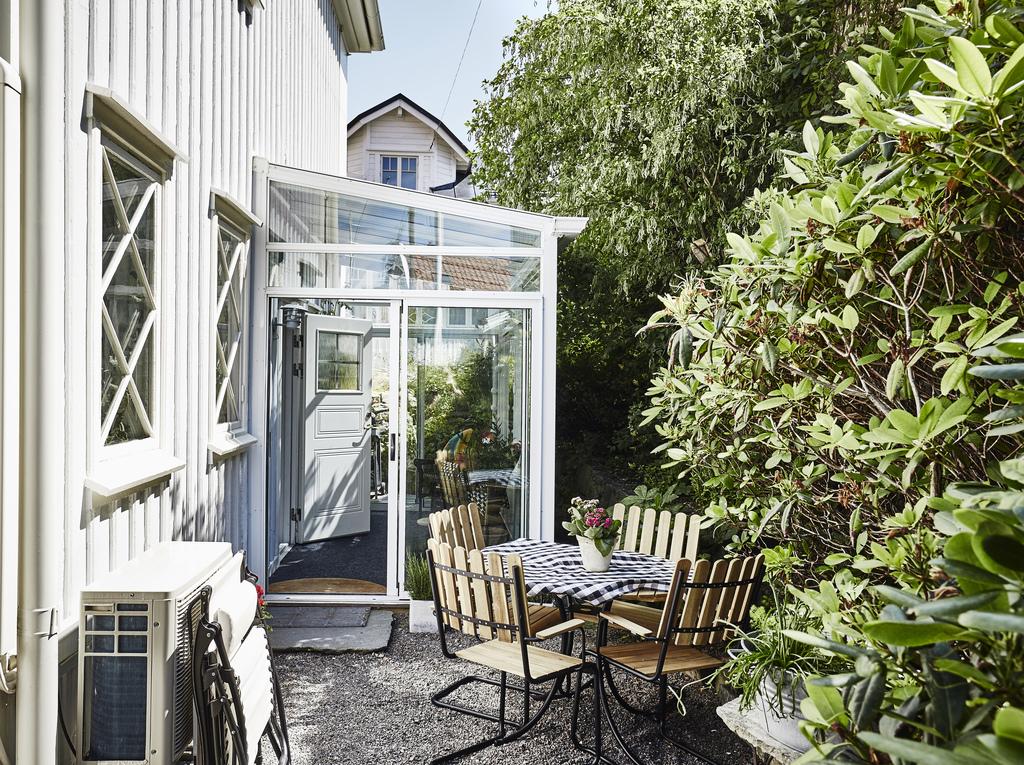 Decoraci n f cil vivir en una planta baja - Como cuidar una hortensia de exterior ...