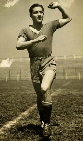 """""""C'est Nijinsky"""", dijo el poeta y narrador modernista francés Paul Morand (1888-1976) al verlo jugar en los años treinta. Arsenio Pastor Erico, el mejor futbolista paraguayo de la historia"""