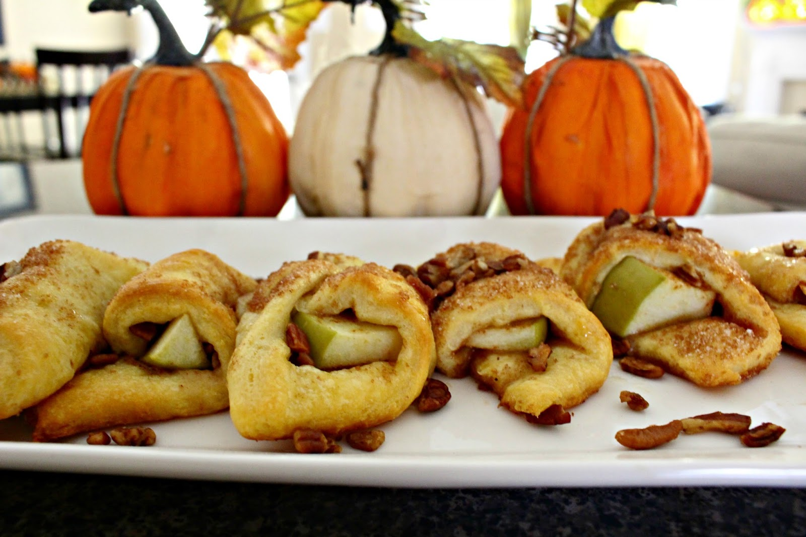Linens and Leggings: The Lazy Girl's Recipe for Apple Pie Turnovers