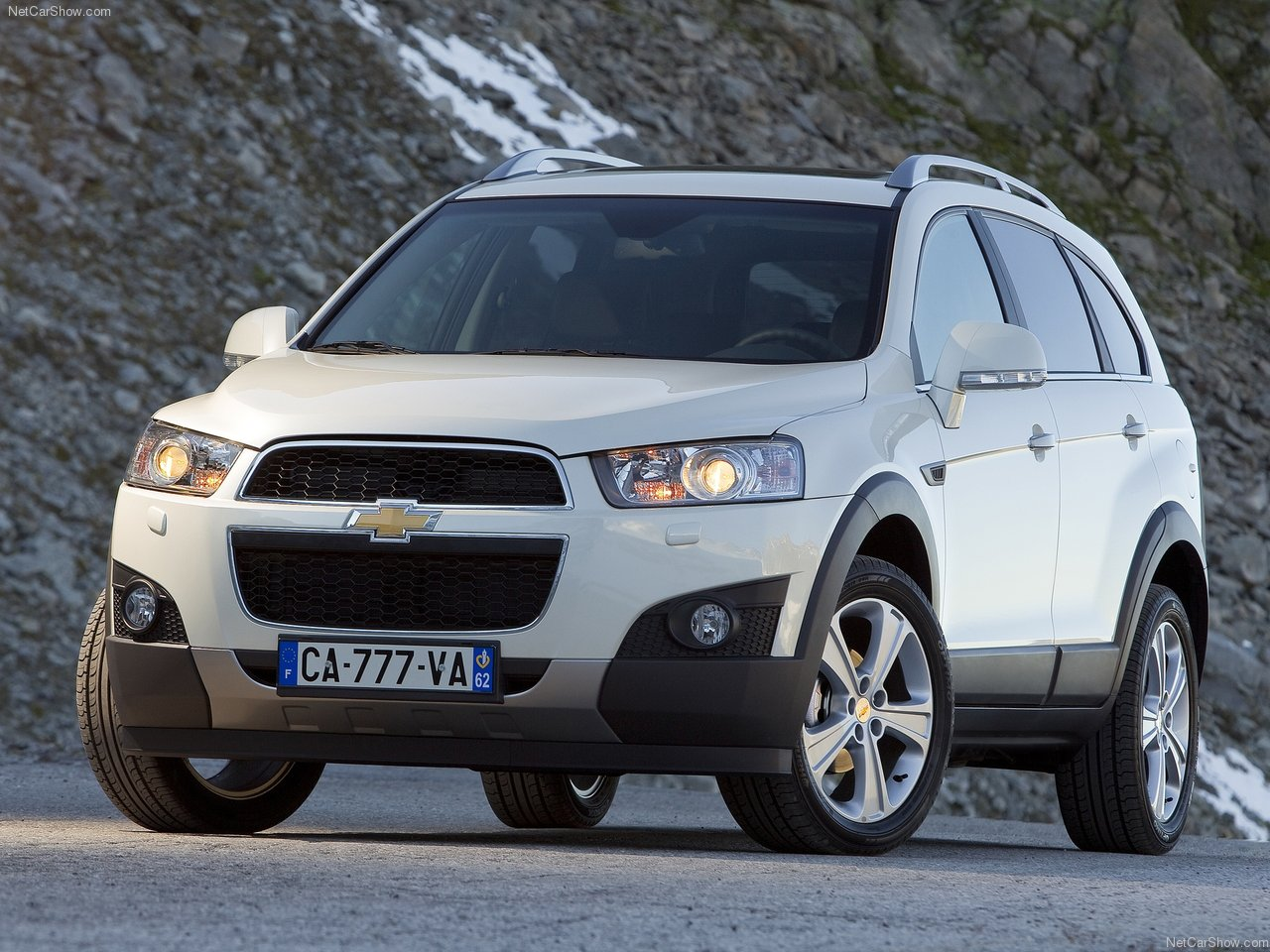 Chevrolet-Captiva_2012_1280x960_wallpape