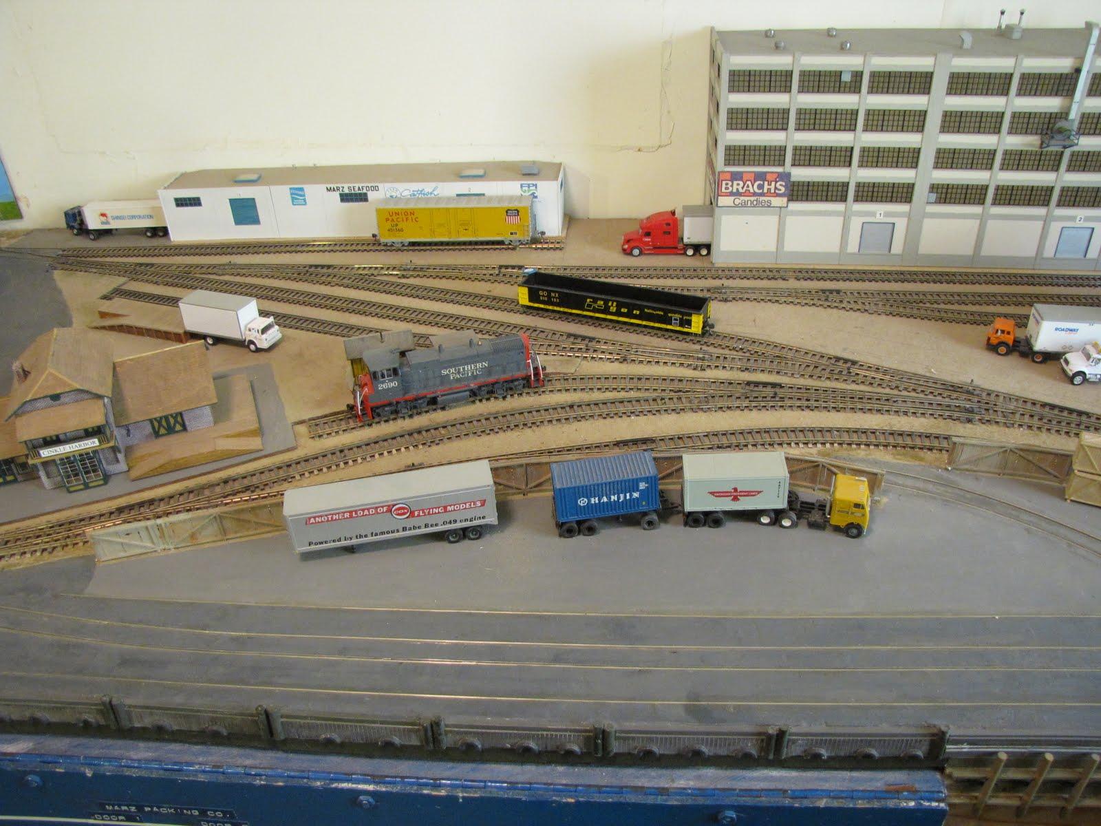 Ho train switching yard