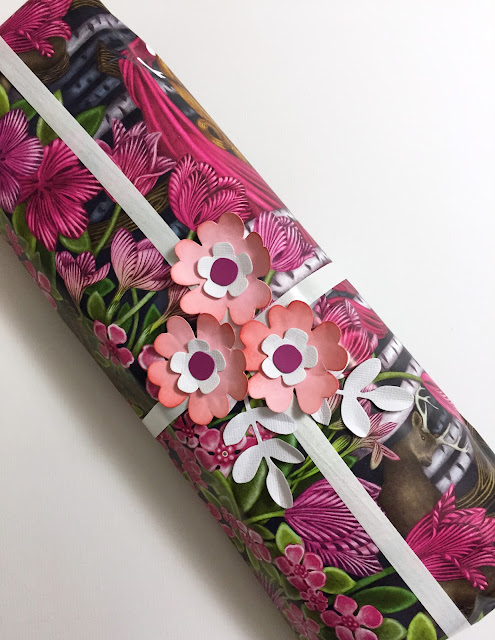 Easy, chic gift wrap with die-cut flowers #Sizzix #Sizzixplus