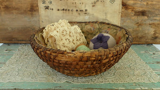 Early PA. Rye Sewing Basket lined with early Calico comes with Early Needfuls.