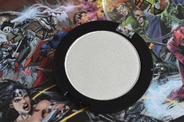 MUA Pearl Eyeshadow in Shade 2 White