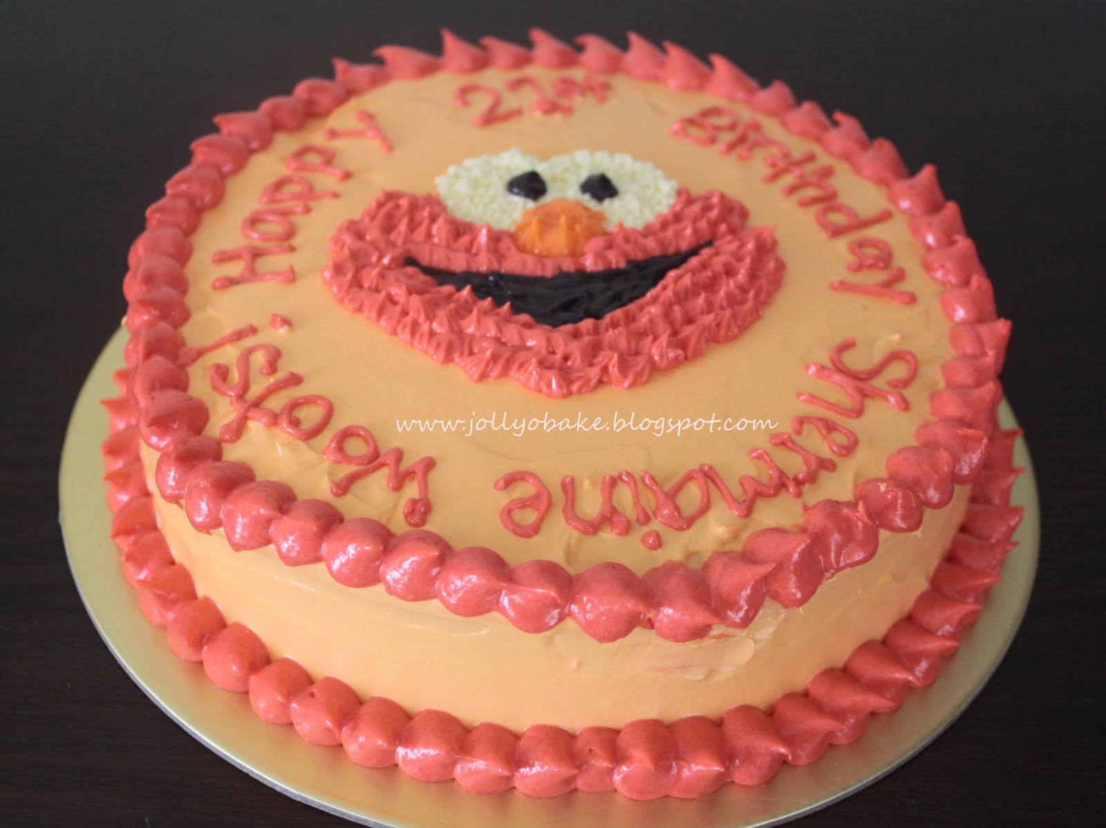 "... cakes/3D cakes"" links on the right of the site for more birthday cake"