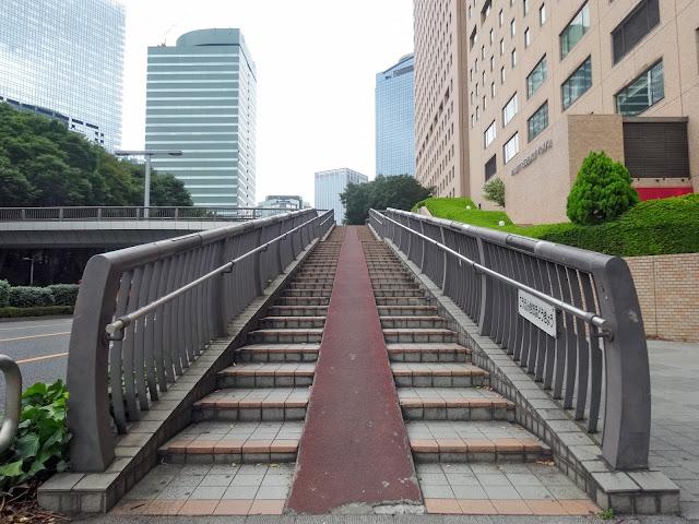 歩道橋,階段,新宿中央公園〈著作権フリー無料画像〉Free Stock Photos