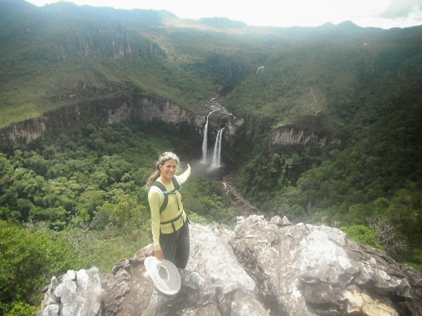 Cachoeira de 120m dentro do Parque Nacional da Chapada dos Veadeiros, caminho do Abismo e Janela, foto espetacular, Chapada dos Veadeiros