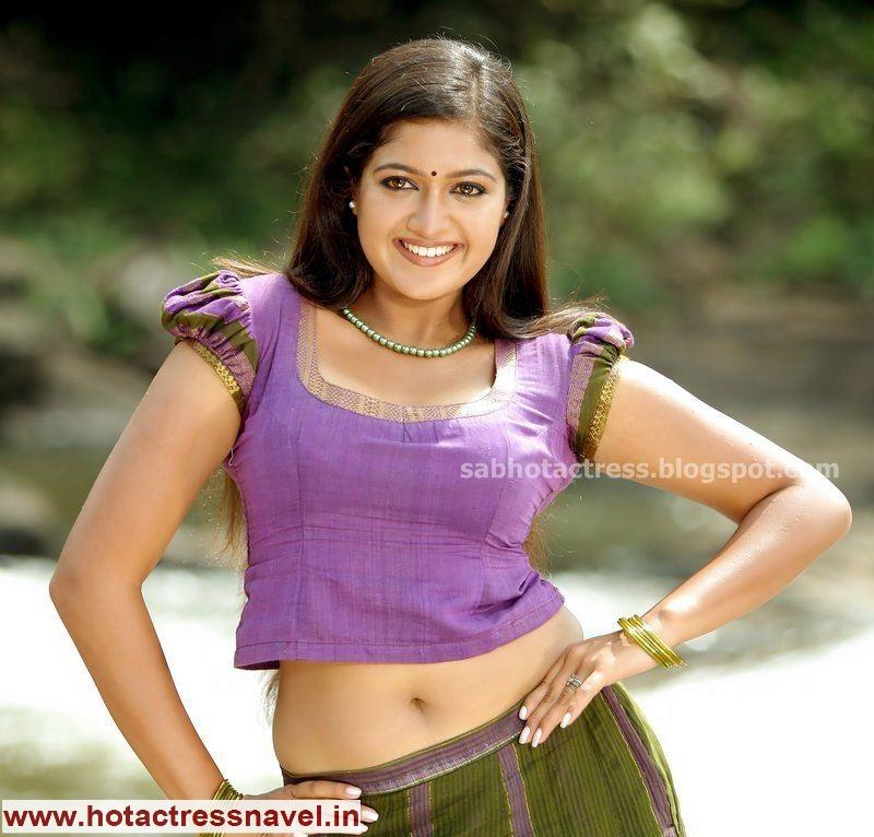 Meghna Raj Navel Sari