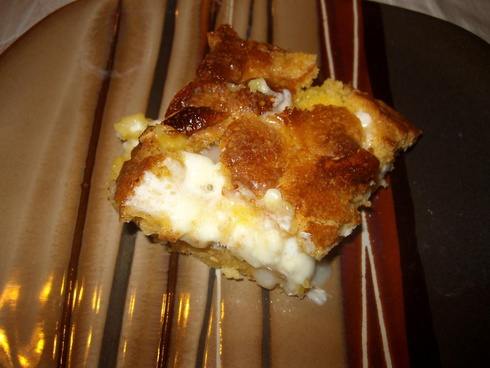 My Little Cupcake: White chocolate s'mores gooey cake bars!