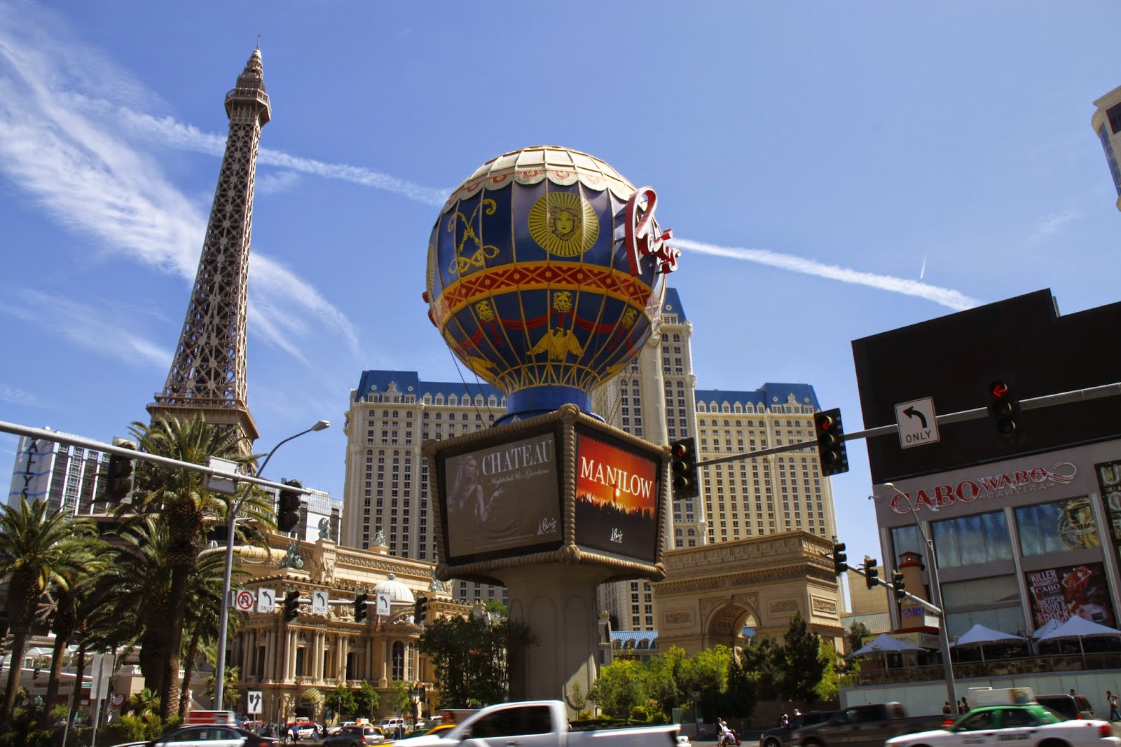 Vegas bir alışveriş merkezidir. Alışveriş ve eğlence merkezi Vegas
