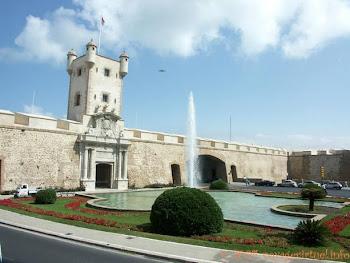 Cádiz, Puerta Tierra