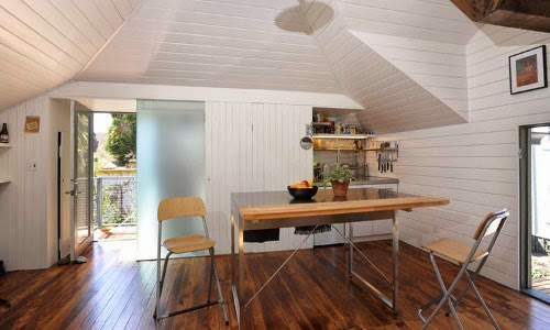 Carriage House by Azevedo Design