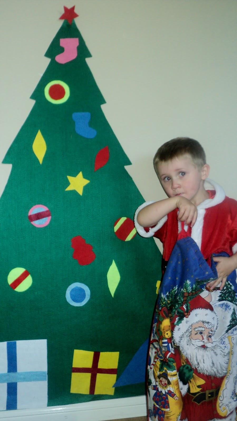 adventures at home with mum felt recreatable christmas tree