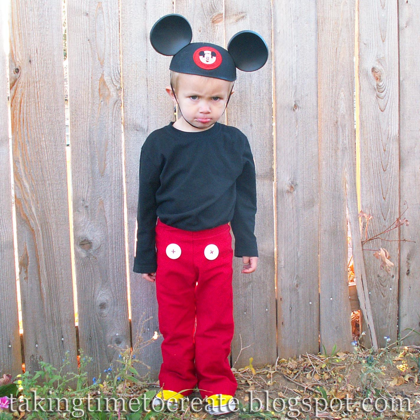 sc 1 st  Taking Time To Create & Taking Time To Create: A Simple Mickey Mouse Costume
