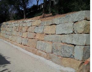 Muros de piedra barcelona - Muros de rocalla ...