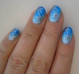 ideje-za-nokte-nokti-sa-pahuljicama-008