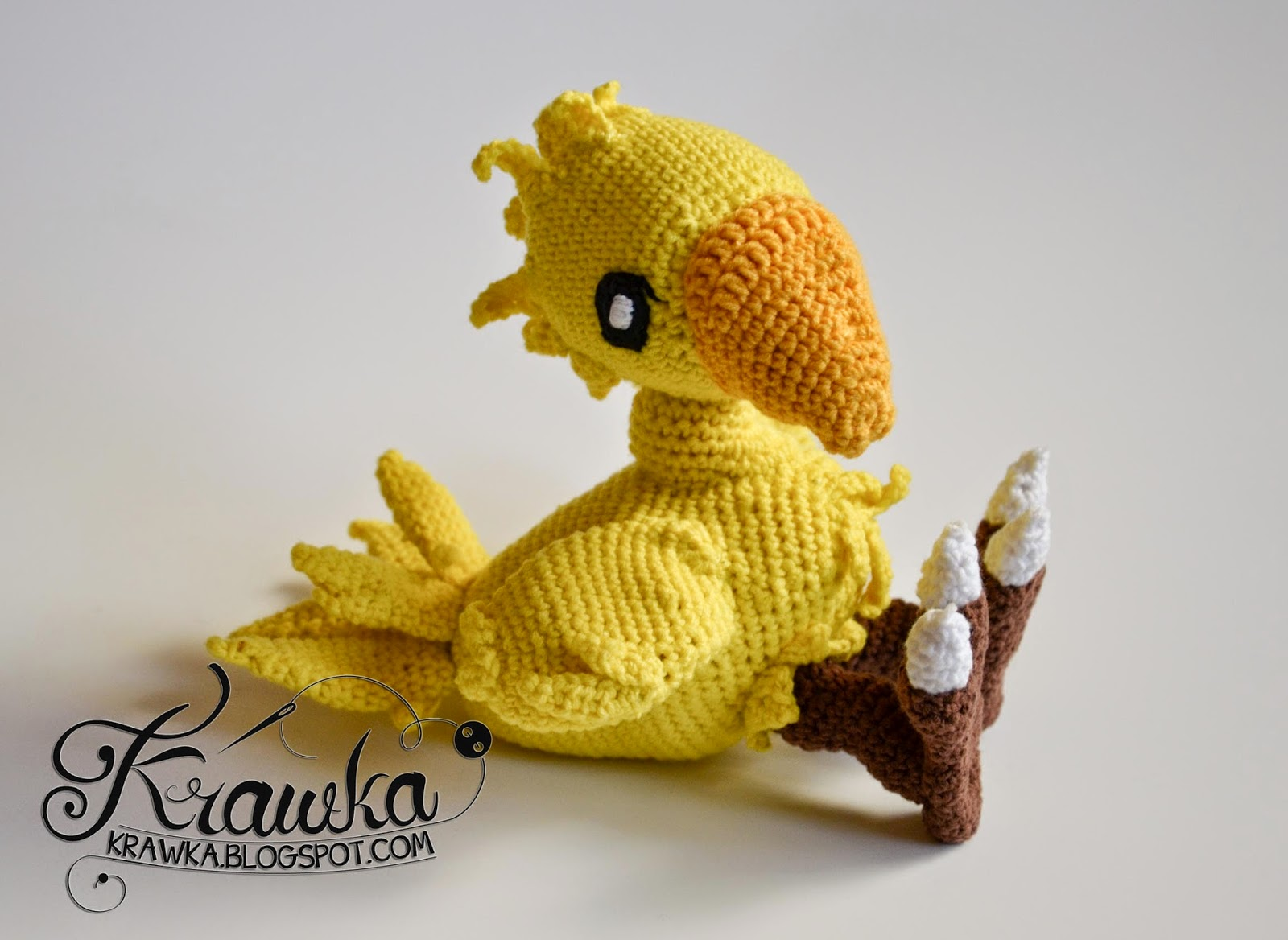Krawka: Chocobo from Final Fantasy - crochet plush, wired inside - fully adjustable.