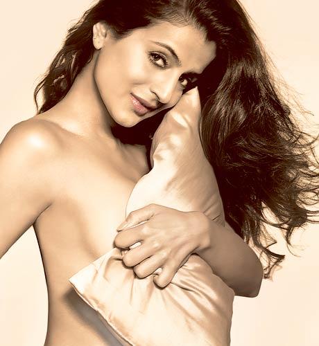 Bollywood Hot Actresses Naked Truth Revealed Enjoy Sexy Pics ...