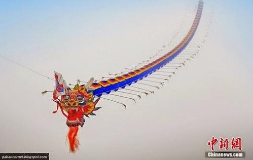 Pelik Naga Sepanjang 6 Kilometer Terbang Ruang Udara China