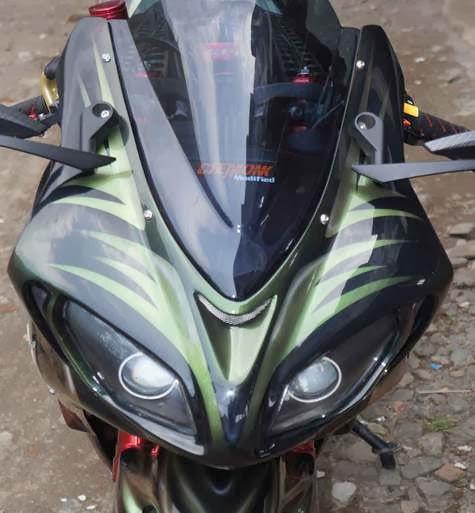 Kawasaki Ninja 250 Modifikasi Bermotif Hiu Buas