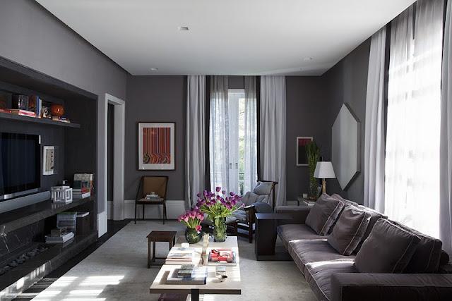 decoracao branco gelo:Sala de Dado Castelo Branco, arquiteto. Gostei do home teather preto