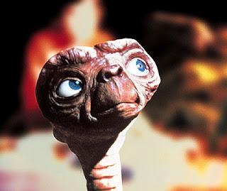 Kenapa Alien Mirip Manusi