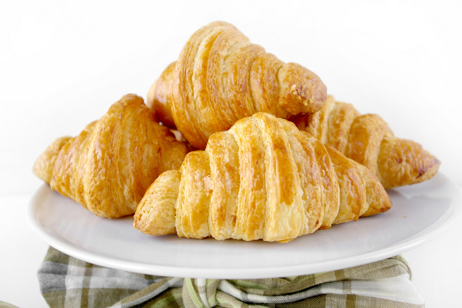These Peas are Hollow: An Ode to the Croissant, the HOMEMADE Croissant