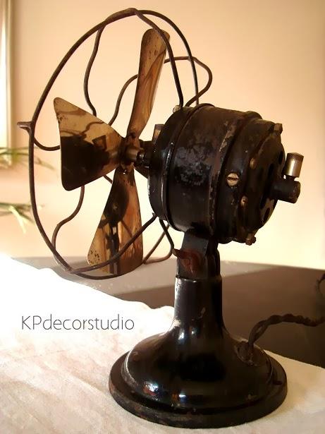 Comprar ventiladores vintage online para decoración de escaparates. Escaparatismo y objetos vintage