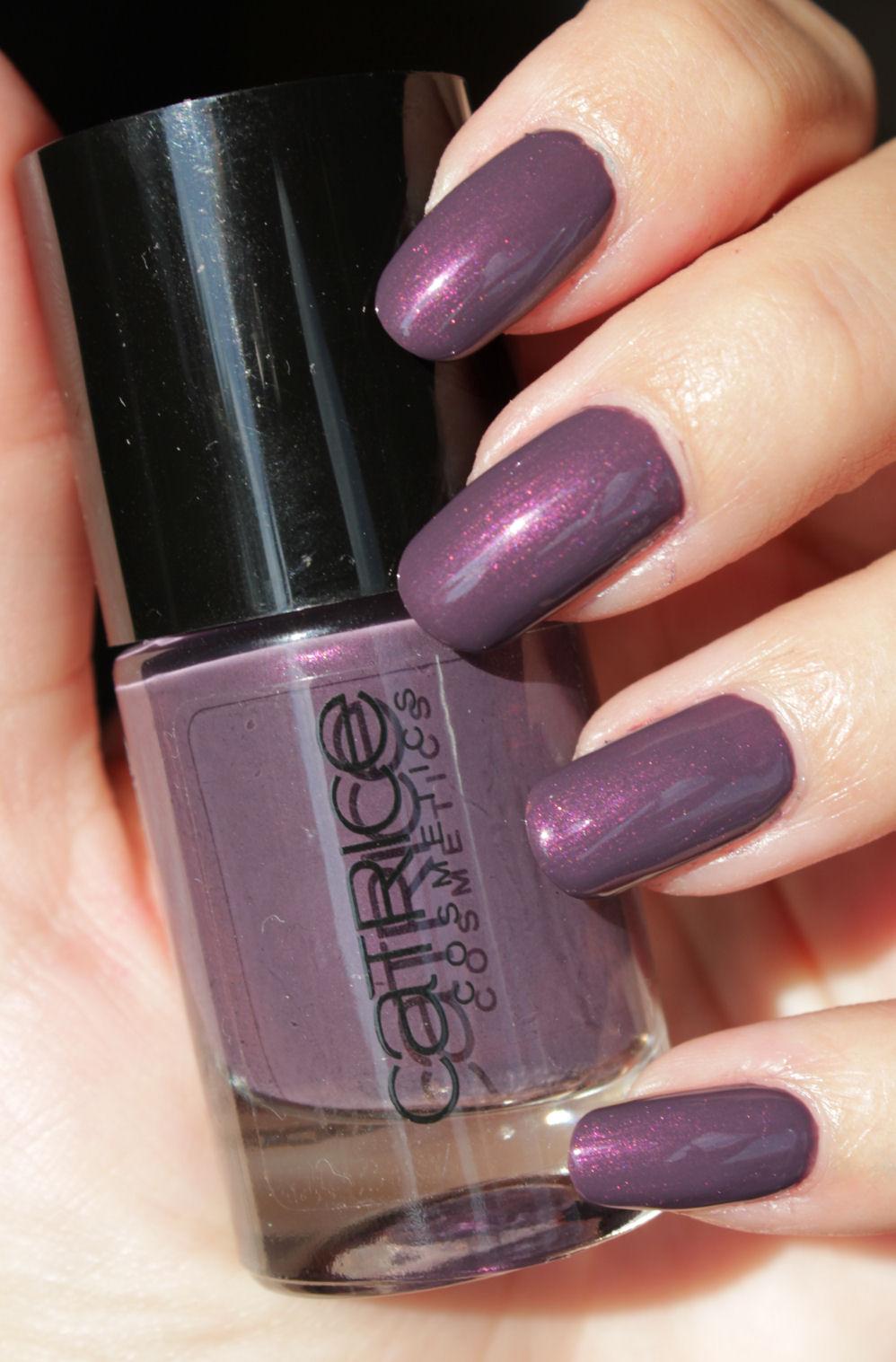 http://lacquediction.blogspot.de/2014/12/catrice-ultimate-nail-lacquer-72-auber.html