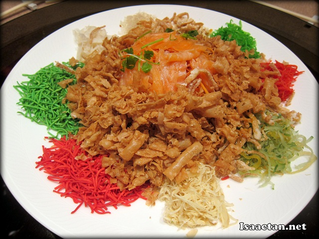 "The Yee Sang just before our prosperity ""Toss"""