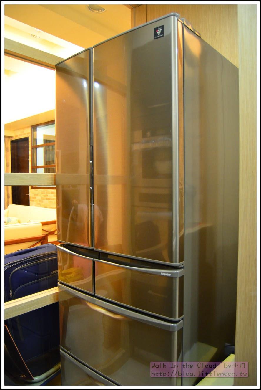 美麗的SHARP 冰箱