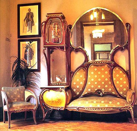 Антонио Гауди, Анто́ни Пла́сид Гильем Гауди́-и-Курне́т (также Анто́нио; кат. Antoni Plàcid Guillem Gaudí i Cornet, исп. Antonio Plácido Guillermo Gaudí y Cornet; 1852-1926, Барселона)
