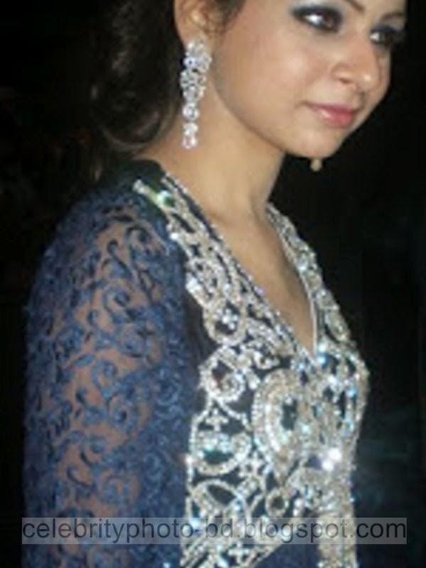 Pakistani+Girl+Aqsa+Photos+Album004