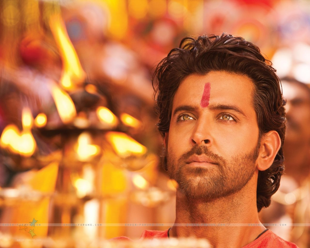 http://2.bp.blogspot.com/-tdCKQjc3Cj8/TwCngc-nxMI/AAAAAAAAEw4/-g7wMZ8ZVuI/s1600/156713-hrithik-roshan-in-the-movie-agneepath-2012-.jpg