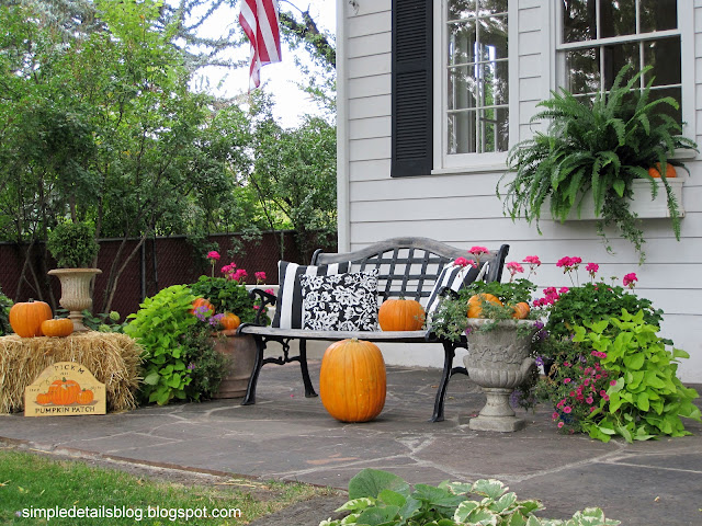 Simple Details Outdoor Fall Decor