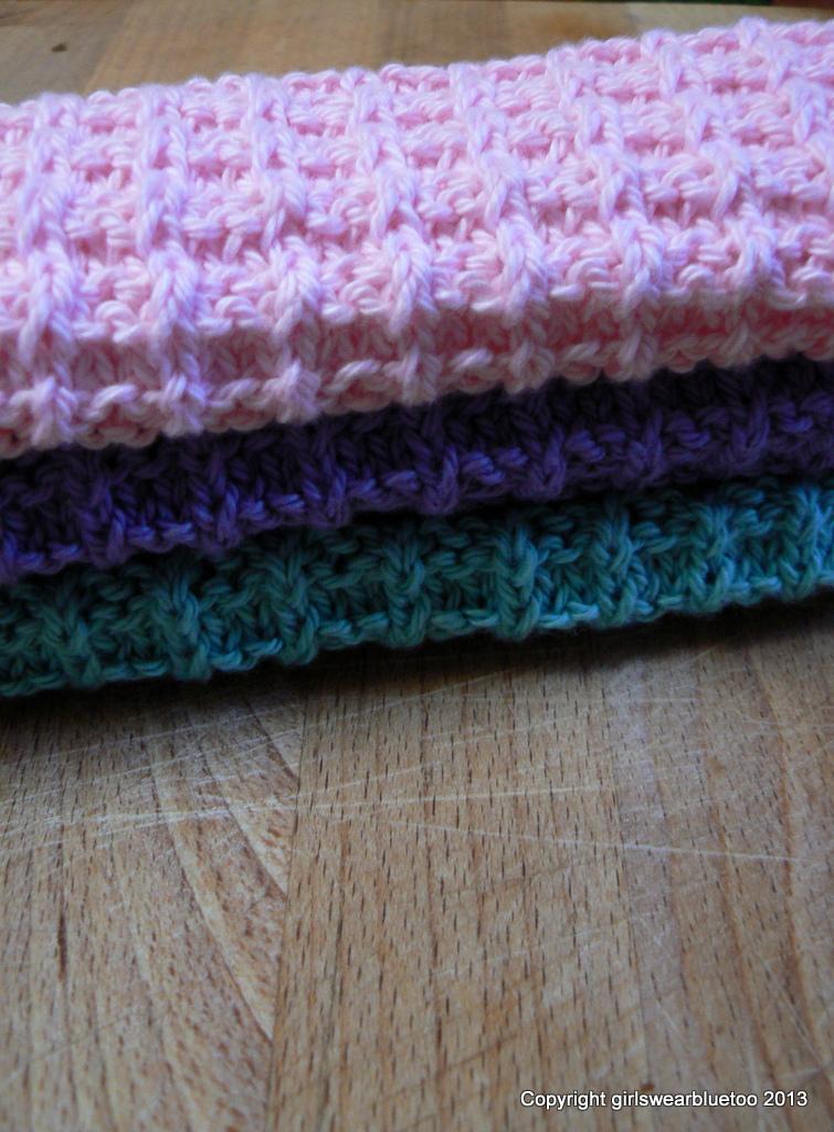 Waffle Knit Dishcloth Pattern : Girls Wear Blue Too: Waffle Weave dishcloths