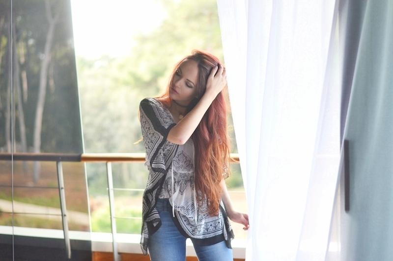 Sommer_Urlaubs_Outfit_hellblaue_Jeans_Tunika