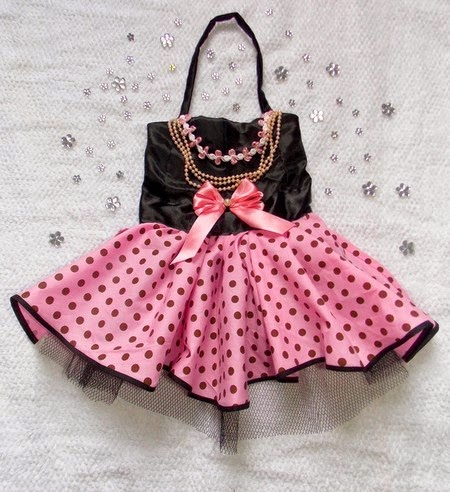 http://www.elo7.com.br/vestido-pin-up-pet/dp/49BDB8