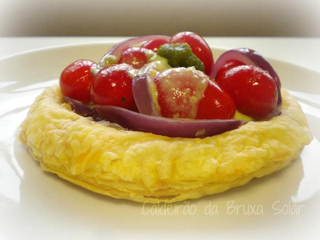 Tartelete folhada de tomates