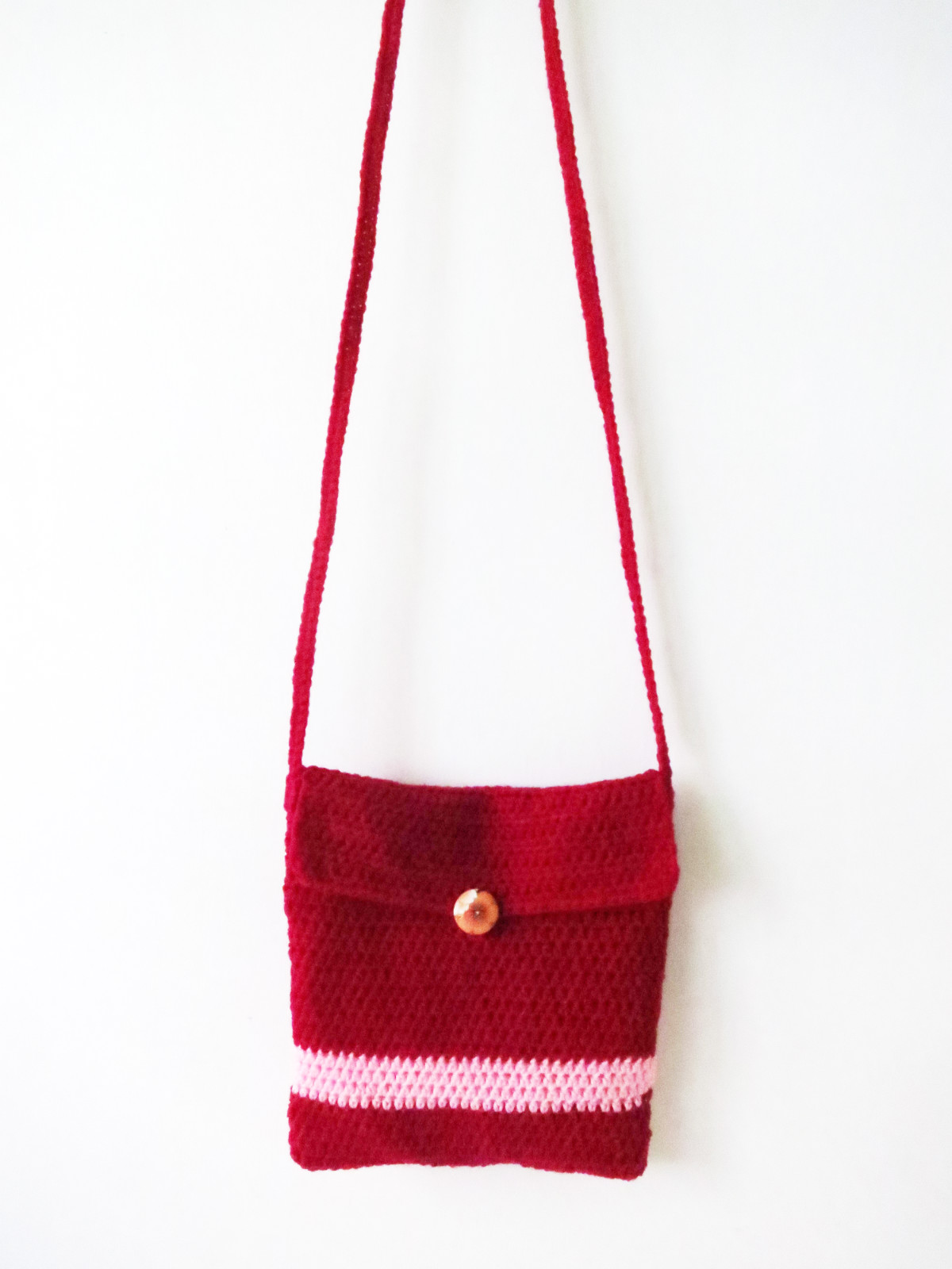 Crochet Sling Bag Pattern : To attach the handles, I just threaded the yarn through a needle and ...